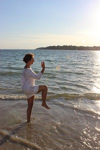 Martine et exercice Qi Gong