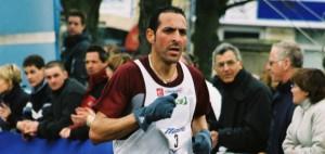 Mohamed Serbouti met en pratique ses conseils sur l'alimentation marathon lorsqu'il participe à une course. © lamanchelibre.fr
