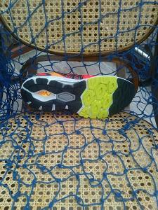 Vous pouvez voir ici la semelle externe de cette chaussure New balance 1260 V5. ©