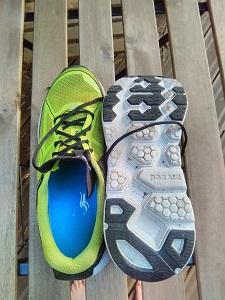 Vous pouvez voir ici la semelle extérieure de ces chaussures running Hoka Clifton © Testeurs-Outdoor
