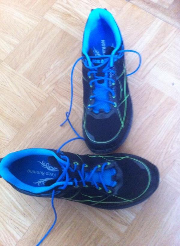 chaussures hoka challenger ATR bleu dessus