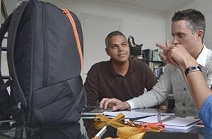 Beaucoup de contributeurs ont participé à la conception de ce sac de sport. © Karkoa