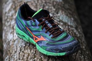 Les chaussures Mizuno Wave Kazan béneficient de la technologie Wave. © Testeurs Outdoor