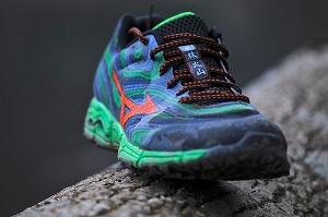 Les chaussures Mozuno Wave Kazan sont disponibles dans les magasins partenaires. © Testeurs-Outdoor