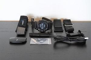 La montre GPS Garmin Fenix 2 et ses accessoires. © dcrainmaker.com