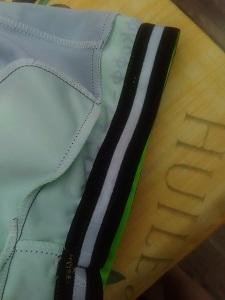 Ce maillot de cyclisme possède aussi des bandes élastiques au niveau des cuisses. © Testeurs Outdoor