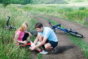 Blessure sport : Chute ou blessure musculaire pour cette cycliste ? © DollarPhoto