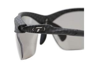 Vous pouvez voir ici les branches de ces lunettes de sport. © Tifosi