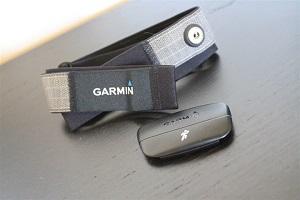 Comparatif montre GPS : Voici la ceinture cardiaque commune aux deux montres. © dcrainmaker.com