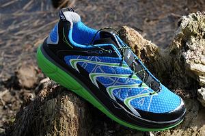 Vous trouverez cette chaussure Hoka Rapa Nui avec plusieurs coloris et versions chez nos partenaires. © Testeurs-Outdoor