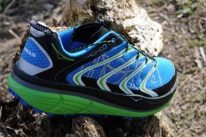 La semelle de ces chaussures Hoka est toujours impressionnante. © Testeurs-Outdoor