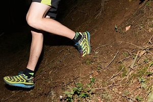 Les chaussures Hoka SpeedGoat sont propices à attaquer la pente. © Crédit Photos : F. Van De Cauter