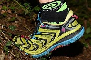 Ces chaussures Hoka sont-elles aussi à l'aise en montée qu'en descente ? © Crédit Photos : F. Van De Cauter