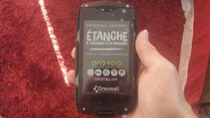 Le smartphone étanche Crosscall Odyssey + en impose non ? © Testeurs-Outdoor