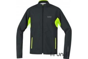 Cette veste en gore tex est disponible chez notre partenaire I-Run