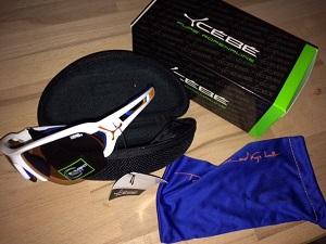Le contenu de la boite des lunettes de soleil Cébé S'Track Pro. © Testeurs Outdoor