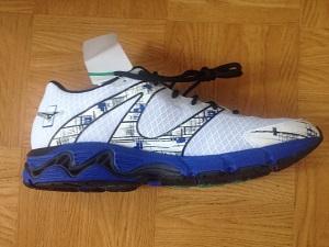 Cette chaussure Mizuno Wave Inspire 10 se décline en 3 coloris principaux : blanc, bleu ou jaune. © Testeurs-Outdoor