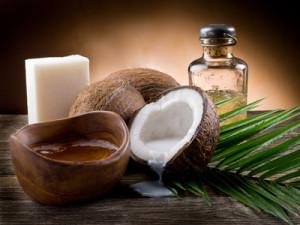 La noix de coco contient un acide gras saturé