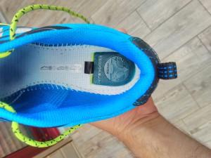 Sous la semelle de propreté se cache le pad d'amorti de cette chaussure running Raidlight. © Testeurs-Outdoor
