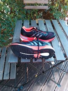Avec cette semelle Continental, pas de doute, cette chaussure running Adidas est taillée pour la route. © Testeurs Outdoor