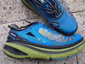 Vous pouvez voir la semelle imposante de ces chaussures Hoka Bondi 4. © Testeurs-Outdoor