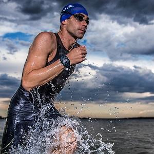 Vous pourrez nager avec cette montre GPS Garmin 920XT. © Garmin