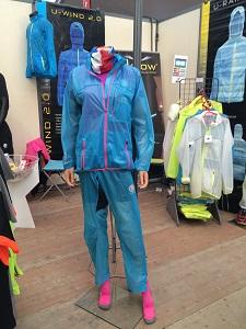 La veste running Uglow est présentée avec son pantalon. © Testeurs Outdoor