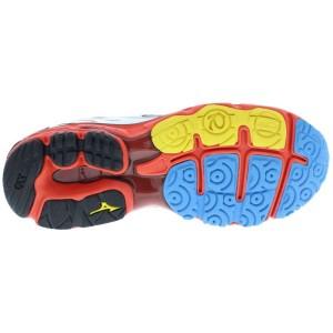 Sur cette photo, vous pouvez voir la semelle externe de cette chaussure Mizuno